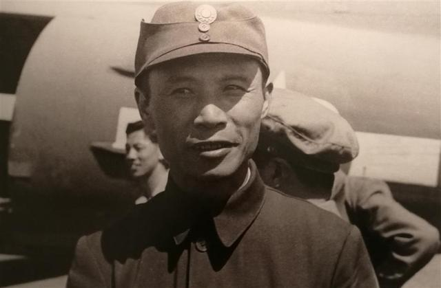A photo of Lu Zhengcao on display at the exhibition in the Qian Xuesen Library and Museum.